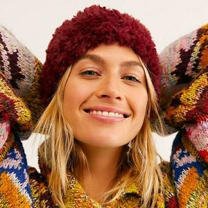 NEW FREE PEOPLE Head in the Cloud Fuzzy Beanie Hat